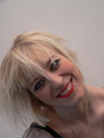 Lena Pony-Frisur kurz Foto 4
