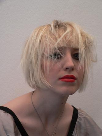 Lena Pony-Frisur kurz Foto 5