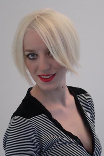 Lena, Frisur: Bob-Pagenkopf Foto 11