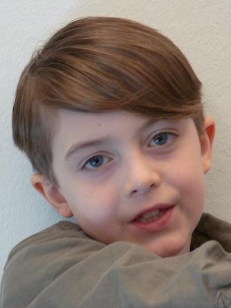 Stuart, Jungen modischer Kinderhaarschnitt Foto 3