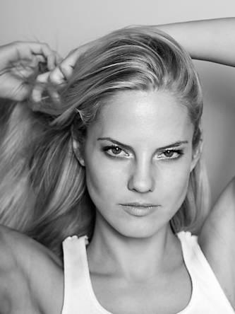 Model Ina; Foto Credit: Oliver Grabowski