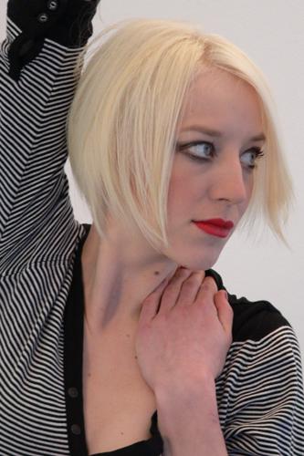 Lena, Frisur: Bob-Pagenkopf Foto 12