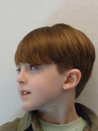 Stuart, Jungen modischer Kinderhaarschnitt Foto 1