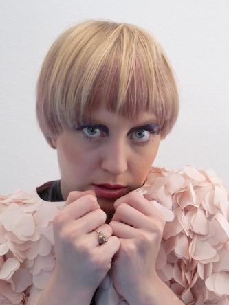 Lena, Kurzhaar-Frisur Frauen Foto 3