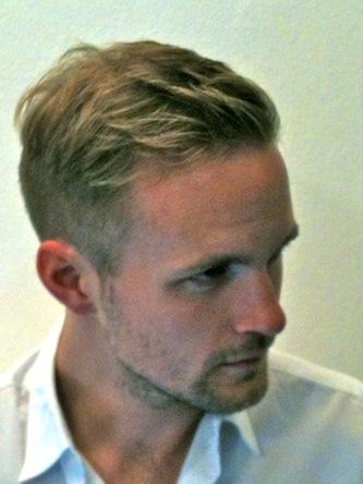 Jonas, modischer Herrenhaarschnitt kurz Foto 4